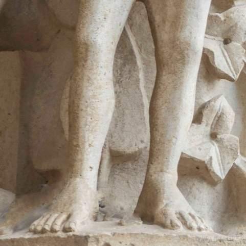 Eve's feet