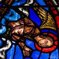 Notre Dame de la Belle Verrière (15): Angels