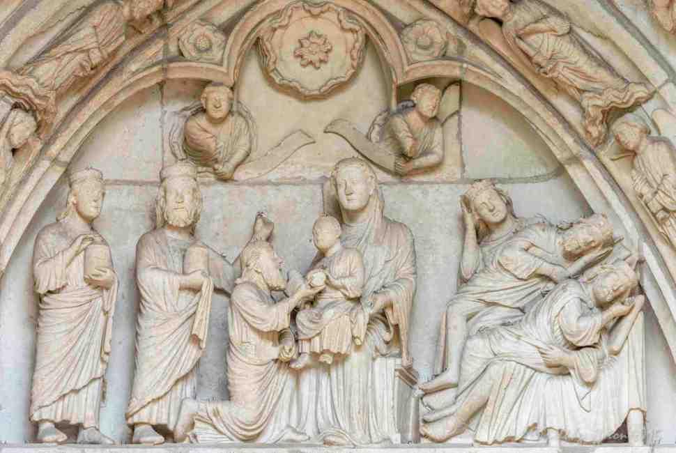 ChartresMajivisitJesus